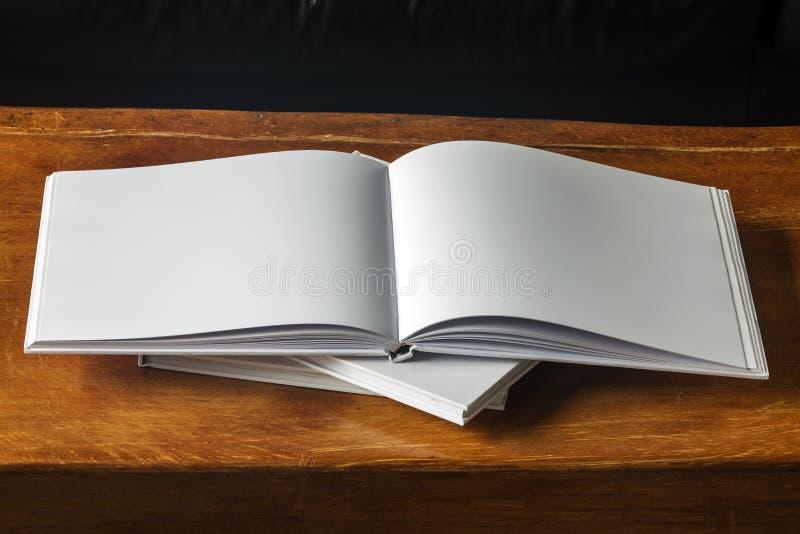 Blanc de livre photographie stock