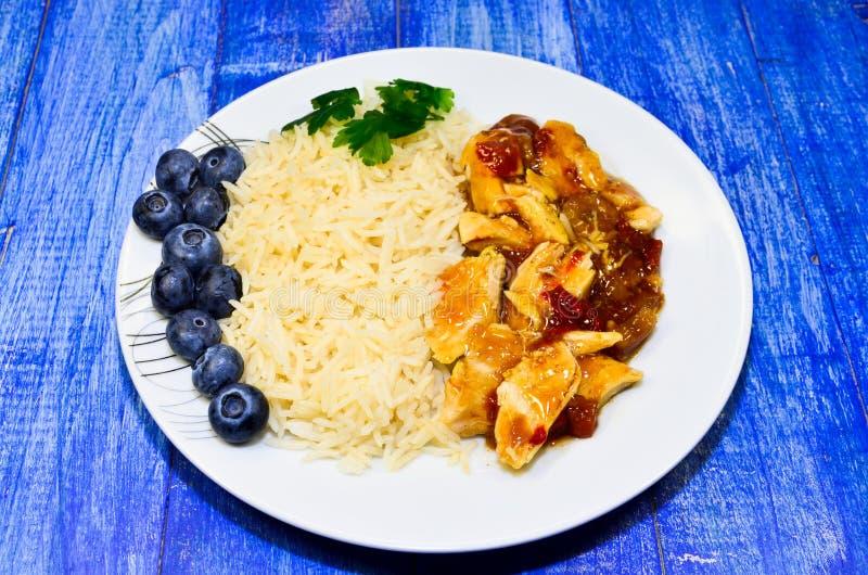 Blanc de poulet avec du riz photo libre de droits