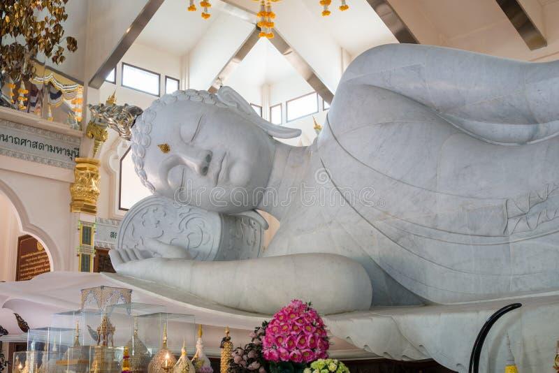 blanc de statue de Bouddha photo stock