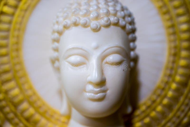 blanc de statue de Bouddha image libre de droits