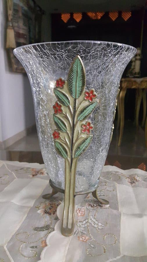 blanc de vase d'isolement par glace image stock