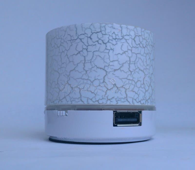Blanc dolby de haut-parleur de musique de Bluetooth photos libres de droits