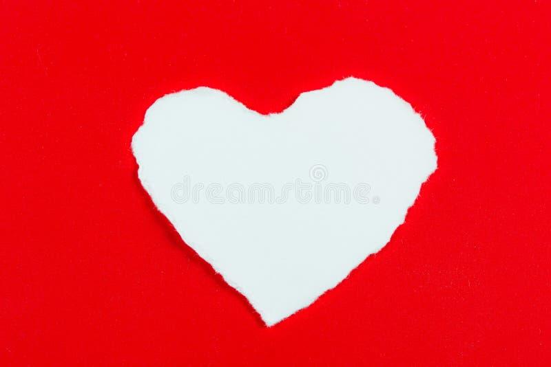 Blanc en forme de coeur de papier de déchirure image libre de droits