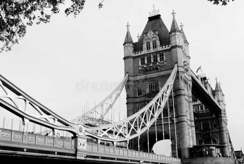 blanc noir de Londres de passerelle photographie stock libre de droits