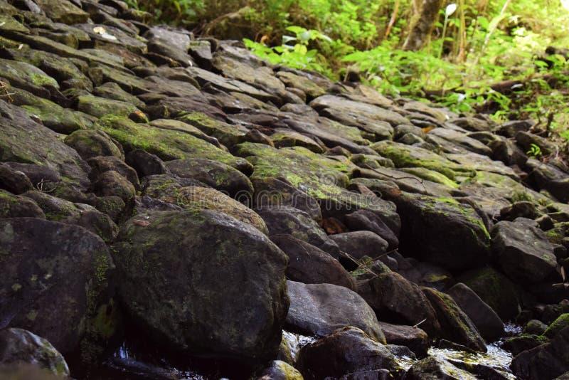 blanc rouge de roche de formations photos stock