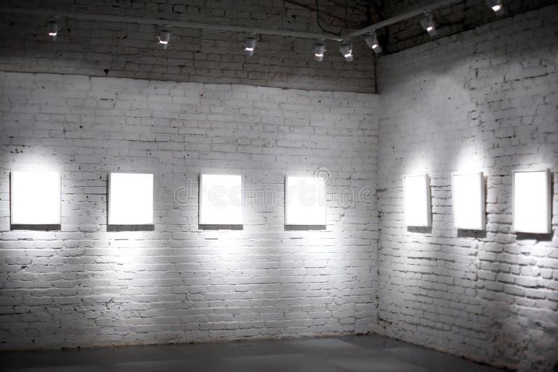 blanc vide des trames sept images stock