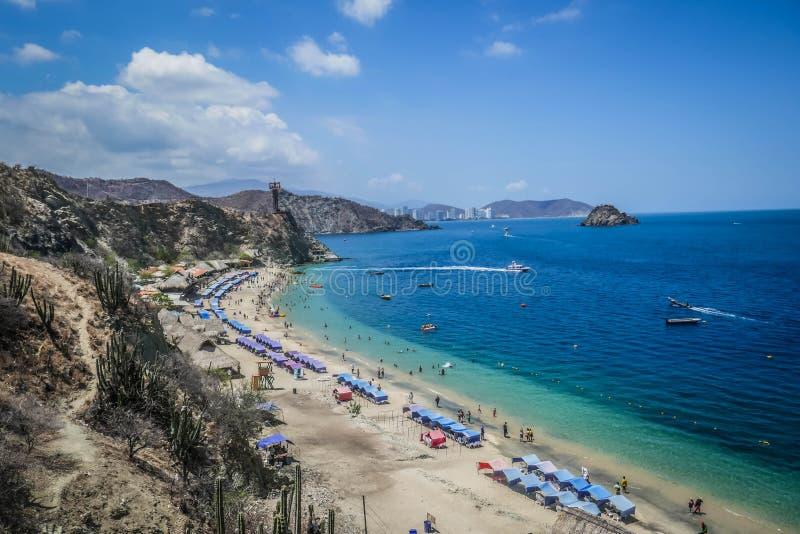 BLANCA DE PLAYA, SANTA MARTA - 10 DE JULIO DE 2019: Vista de blanca en el rodadero, Santa Marta del playa foto de archivo