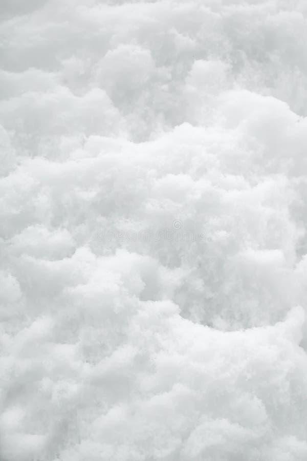 Blanco del fondo de la nieve en día de invierno La estación del tiempo frío, texturiza el extracto Brillante, diciembre fotografía de archivo