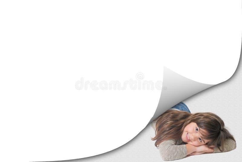 Blanco pagina met kruleffect en glimlachend meisje royalty-vrije stock foto