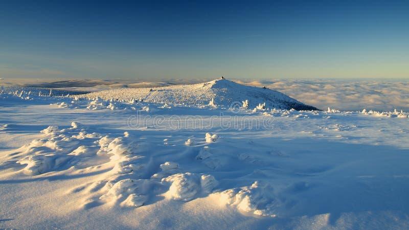 Blancura en las montañas gigantes/Karkonosze fotos de archivo