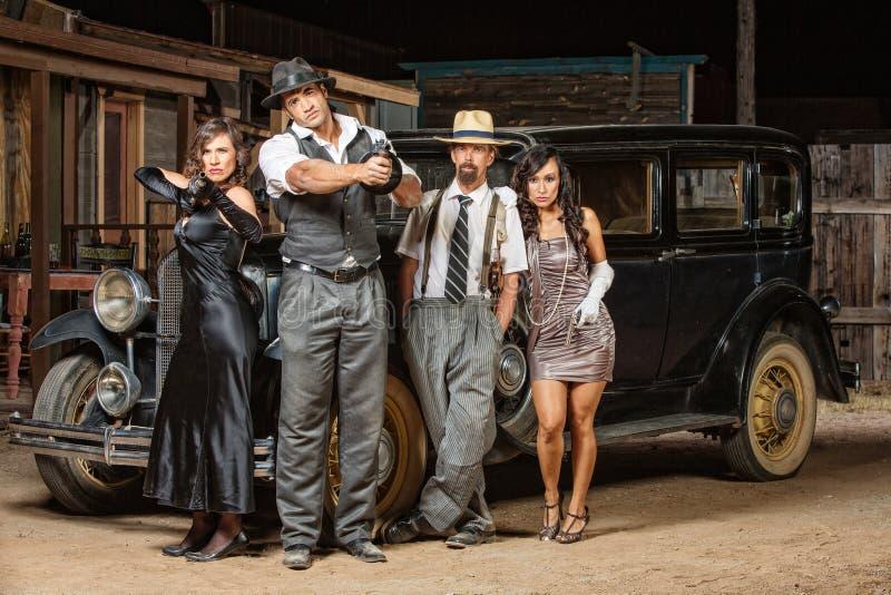 Blandad grupp av gangster arkivbilder