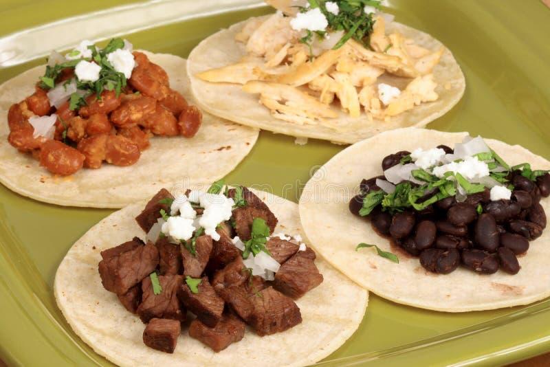 blandad mexikansk tacos arkivbilder