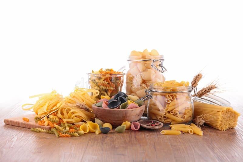 Blandad rå pasta fotografering för bildbyråer