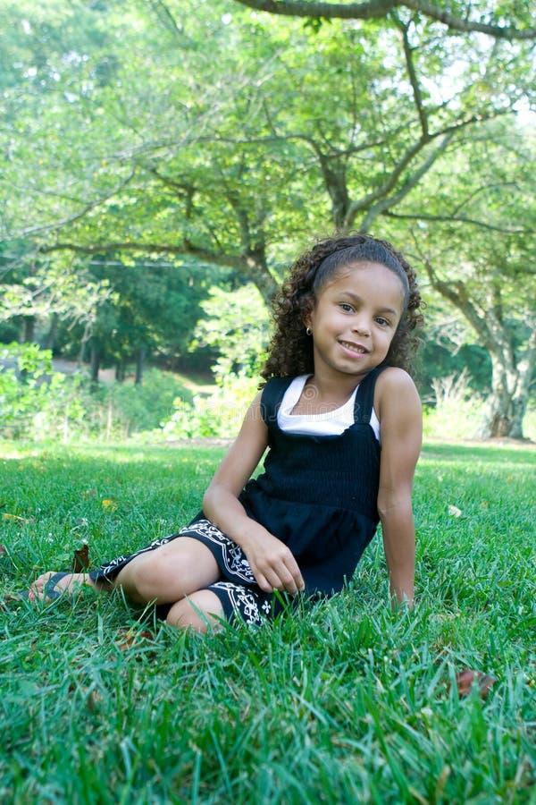 blandad race för härligt barn fotografering för bildbyråer