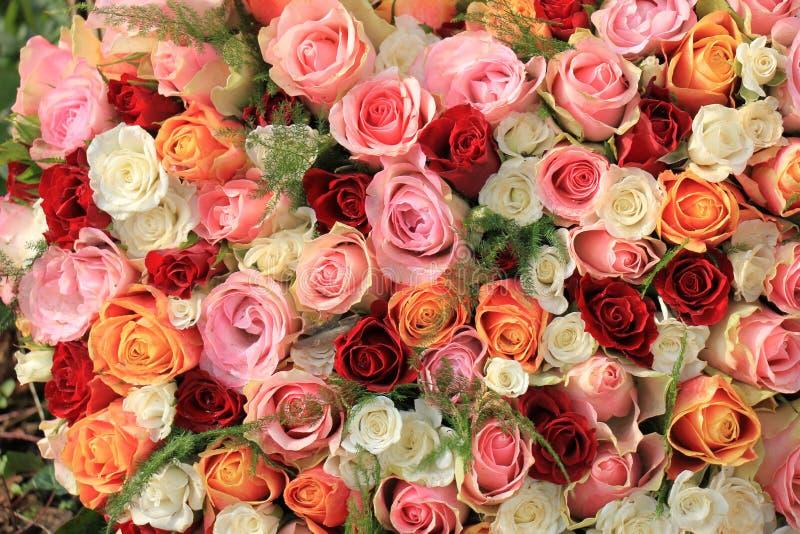 Blandad rosa bukett royaltyfri fotografi