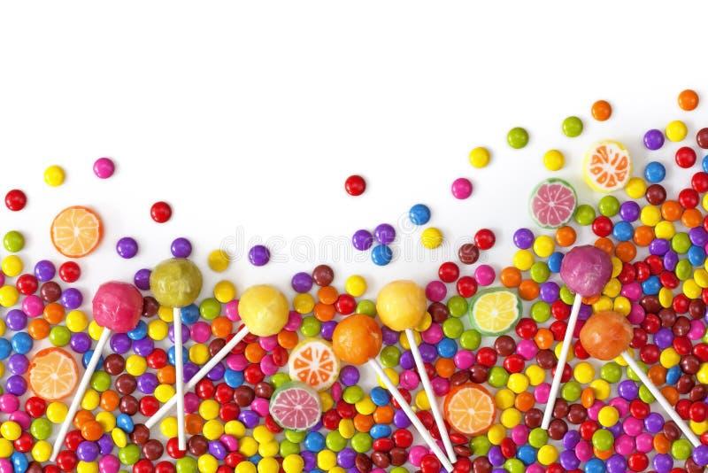 Blandade färgrika sötsaker royaltyfria bilder