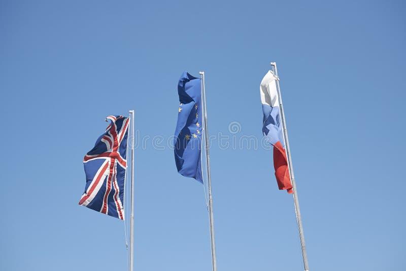 Blandade flaggor i Italien royaltyfria bilder