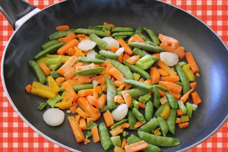 Blandade fryste grönsaker royaltyfri fotografi