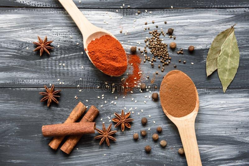 blandade kryddor royaltyfri fotografi