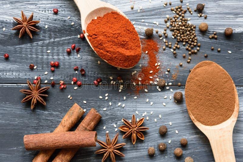 blandade kryddor arkivbild