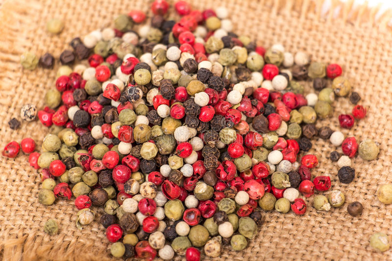 Blandade pepparkorn royaltyfria foton