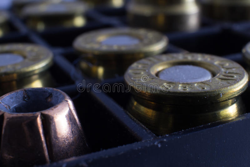 Blandade pistolammunitionar royaltyfria bilder