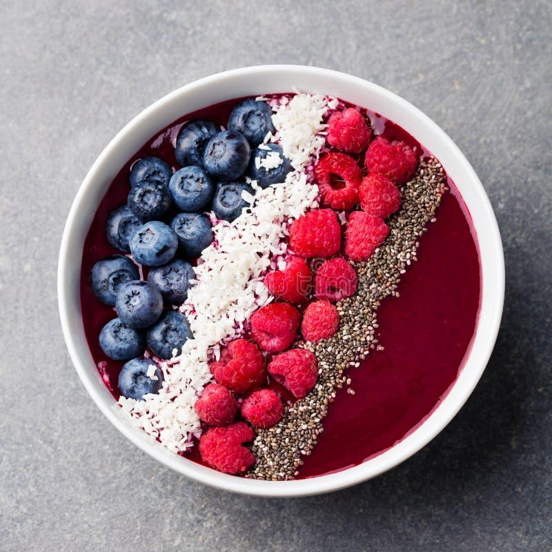 Blandat frö för chia för blåbär för smoothiebunkehallon royaltyfri bild