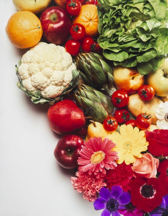 Blandning av frukter och grönsaker fotografering för bildbyråer