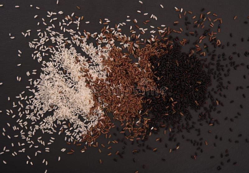 Blandning av ris arkivfoto