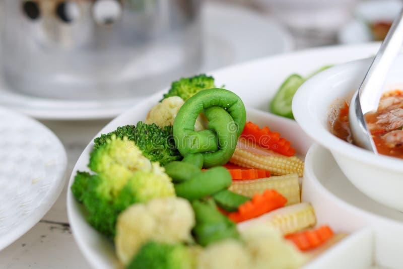Blandningen kokade grönsaker för chilideg arkivfoton