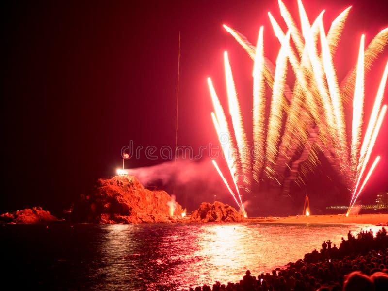Blanes Catalonia, Spanien - Juli 26th 2019 - Blanes fyrverkerifestival royaltyfria foton