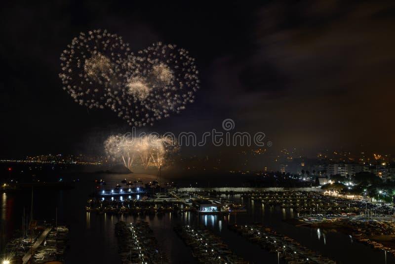 BLANES-FEUERWERKS-FESTIVAL, SPANIEN der international - anerkannte Feuerwerkswettbewerb stockfotografie