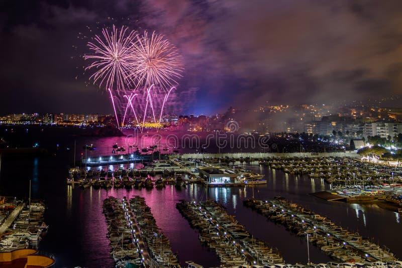 BLANES-FEUERWERKS-FESTIVAL, SPANIEN der international - anerkannte Feuerwerkswettbewerb lizenzfreies stockbild