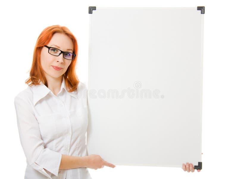blank affärskvinna som visar signboardbarn royaltyfri fotografi