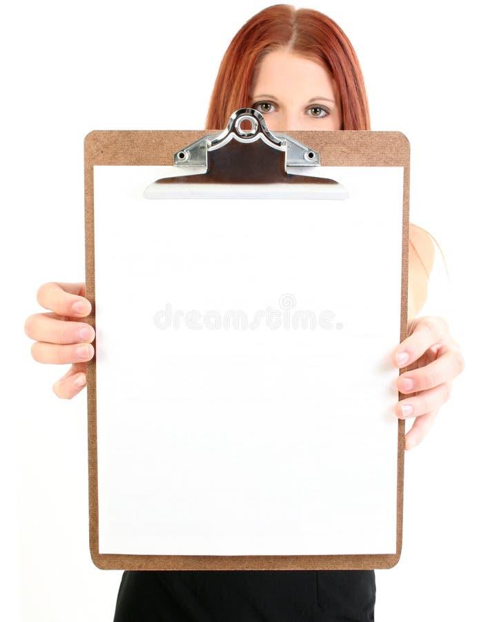 blank affärskvinnaclipboardholding royaltyfri fotografi