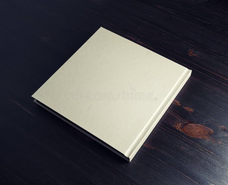blank bokhardcover arkivfoton