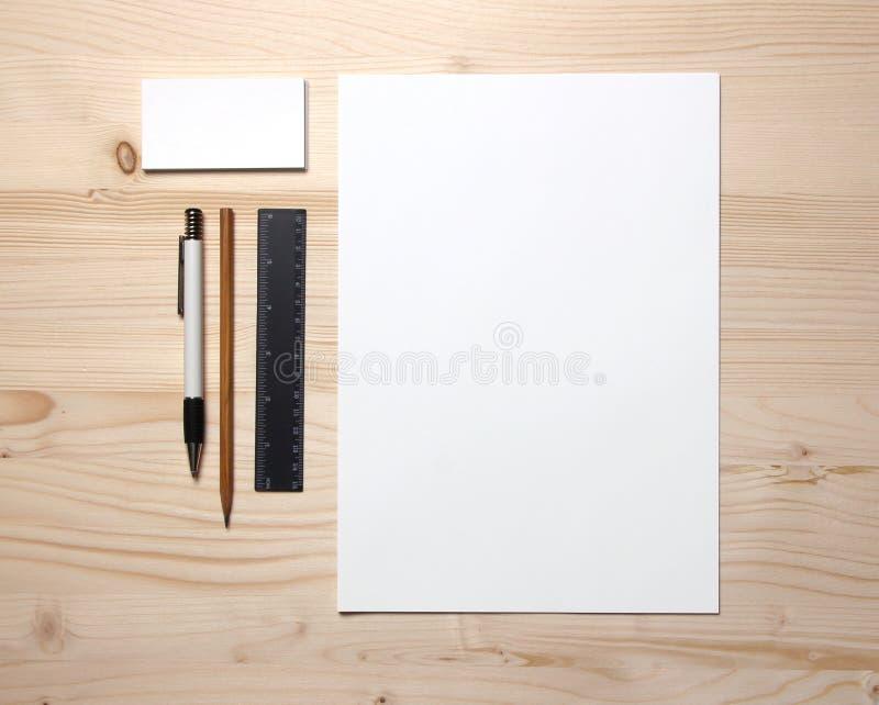 blank brevpapper arkivbild