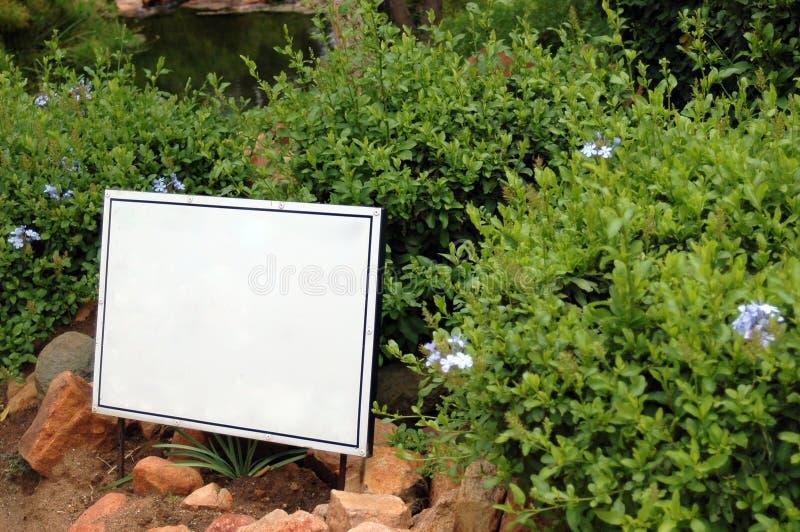 blank det trädgårds- tecknet arkivfoton