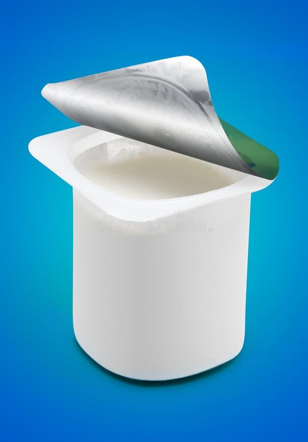 blank koppyoghurt royaltyfri foto