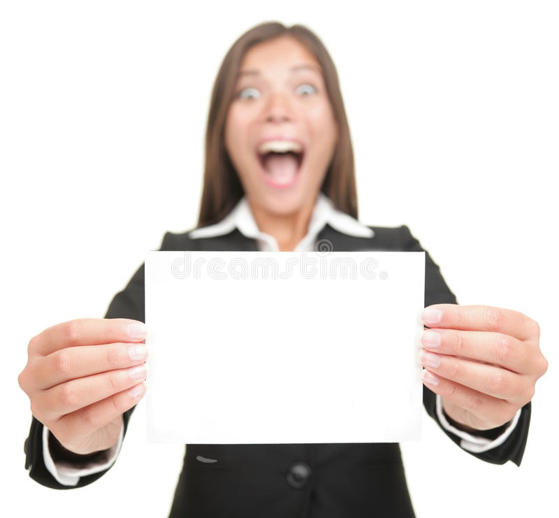 blank kvinna för tecken för holding för affärskort spännande royaltyfri fotografi