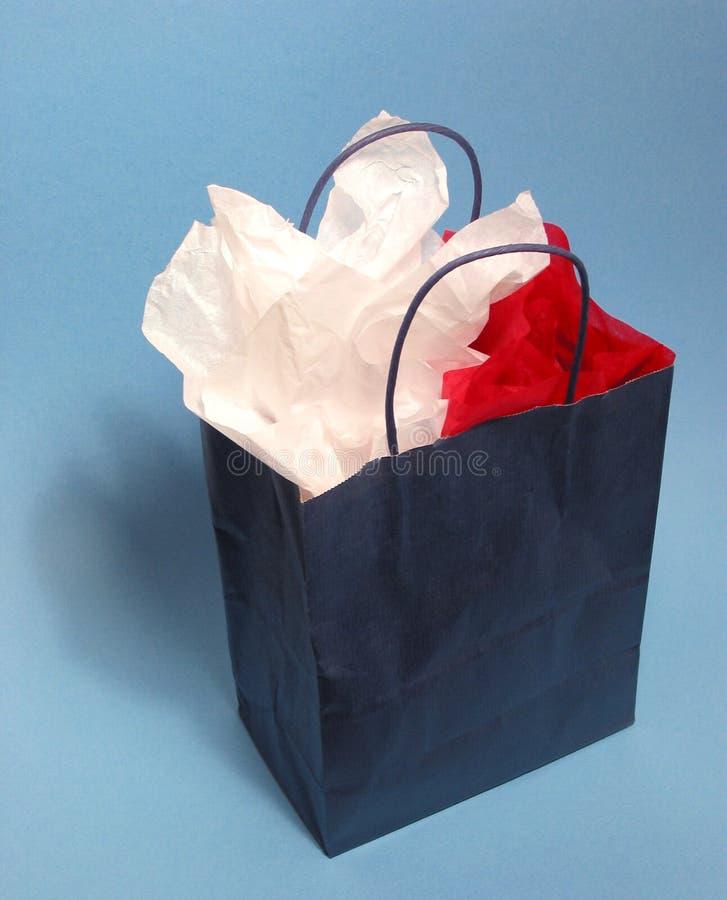 Download Blank shopping för påse fotografering för bildbyråer. Bild av rött - 512399