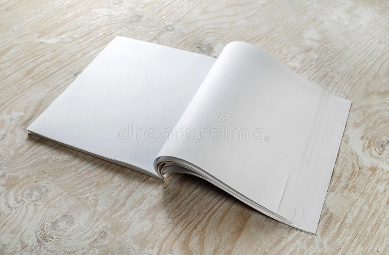 blank tidskriftmall royaltyfri bild