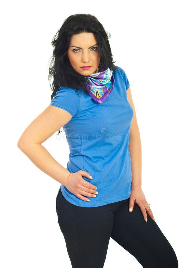 blank tillfällig posera kvinna för skjorta t arkivbild