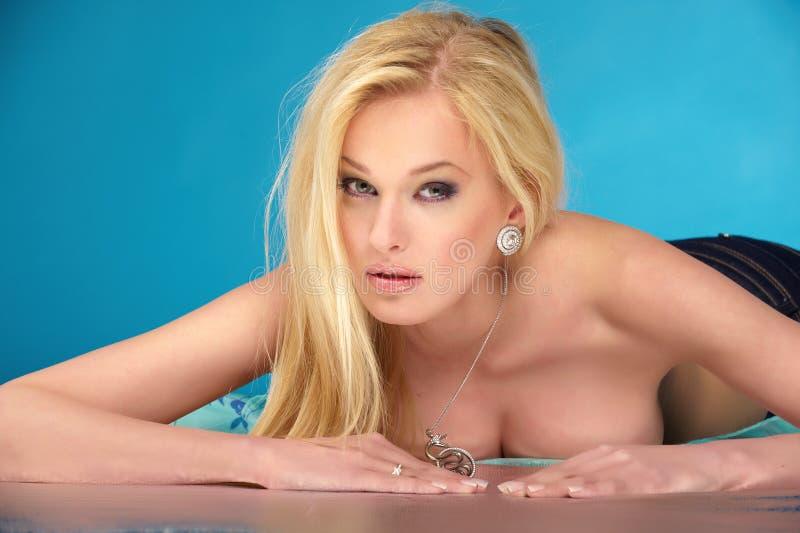 Blanke Blondine lizenzfreie stockbilder
