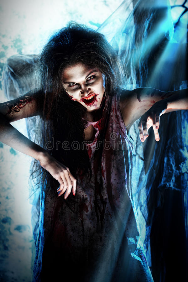 Blasku księżyca zombi zdjęcie stock