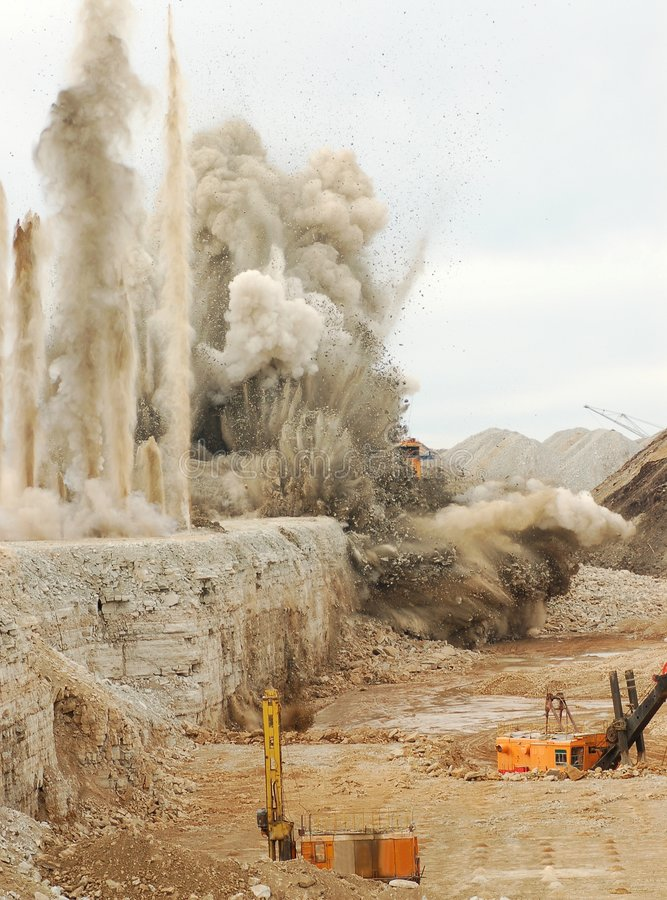 Free Blast In Open Pit Royalty Free Stock Image - 7558076