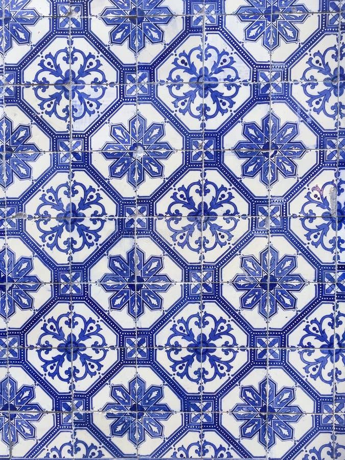 Blau deckt Hintergrund in der arabischen Art von Portugal mit Ziegeln lizenzfreies stockfoto