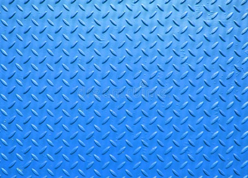 Blau malte den industriellen Stahl, der mit Gitter gemasert bedeckt, Muster ausbreitend stockbild