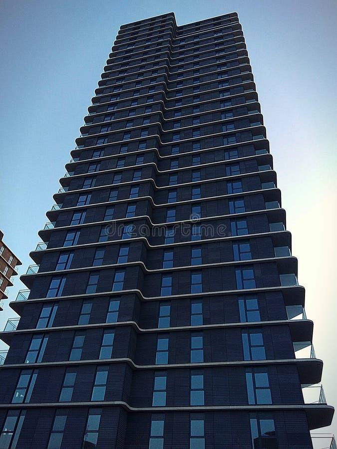 Blau--windowed Wohnung stockbilder