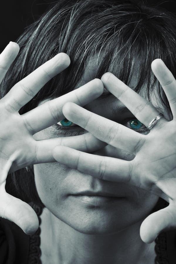 Download Blaue Augen stockfoto. Bild von schön, spitze, abdeckung - 9098940
